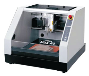 Станок с ЧПУ японского производителя ROLAND MDX-40
